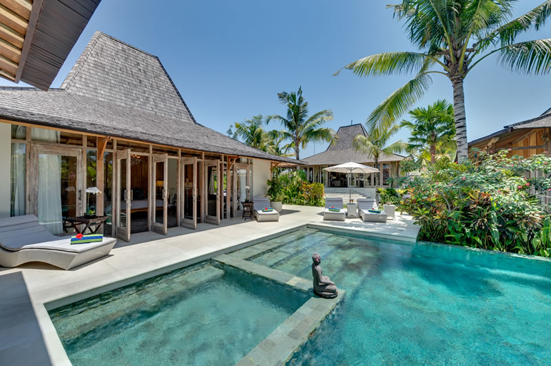Luxury Beach Bungalow  Sofitel Moorea Ia Ora Beach Resort